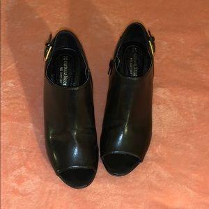 Naturalizer Black shoes size 7
